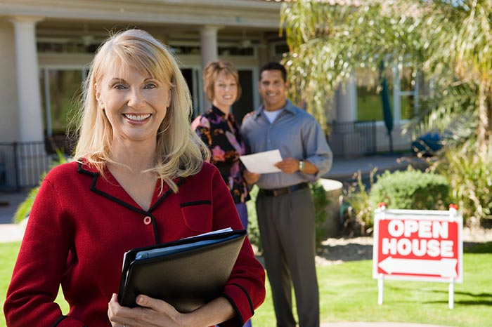 Why Real Estate Professionals Need Business Insurance